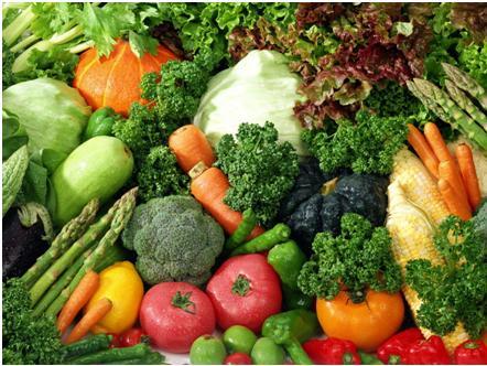 Las ensaladas son más saludables si se aderezan con aceite
