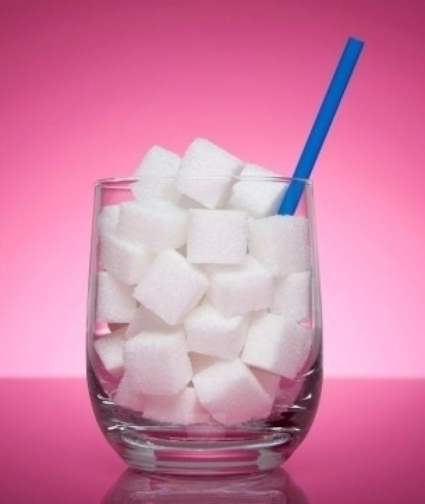 Estrategia poblacional contra obesidad y diabetes: Reducción gradual -en 5 años- de azúcar añadida